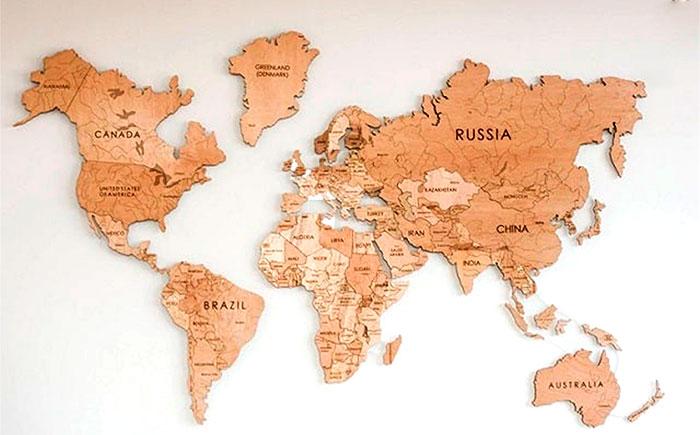 карта мира деревянная